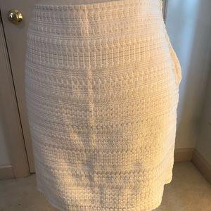 H&M cream & white skirt. Size 10